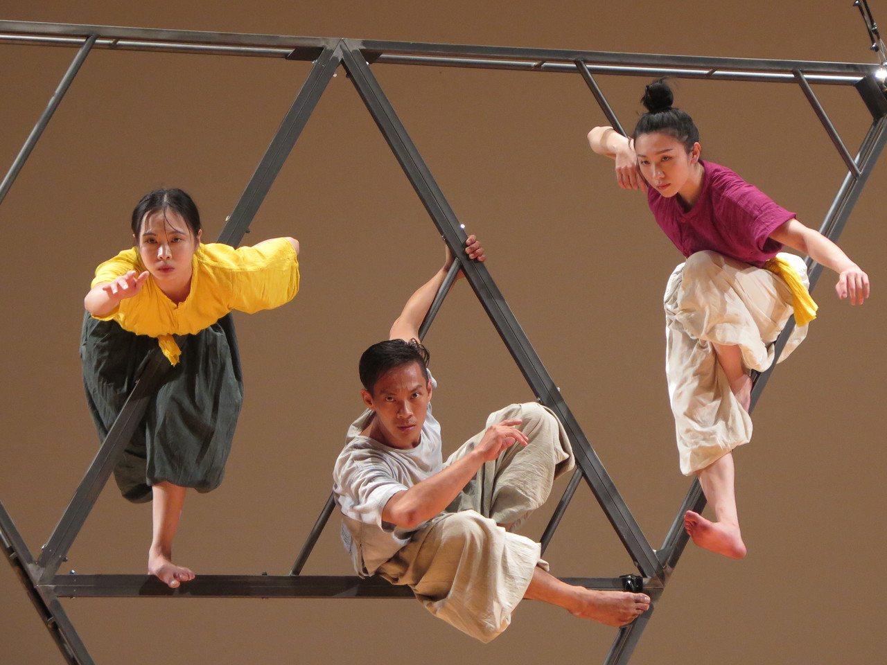 基隆文化局委託張逸軍再次創作「鷄籠中元劇《潮海渡》」,8月16,17日晚上19:...
