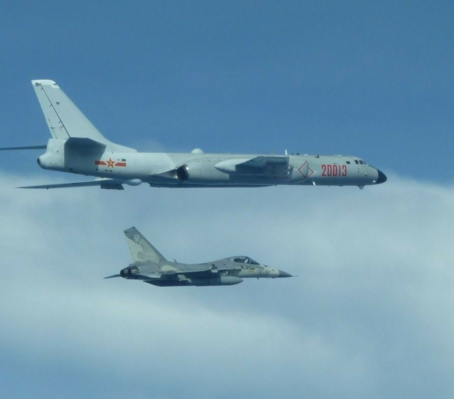 近年中共軍力擴張,與我方機艦「不期而遇」愈來愈常發生。圖/國防部提供