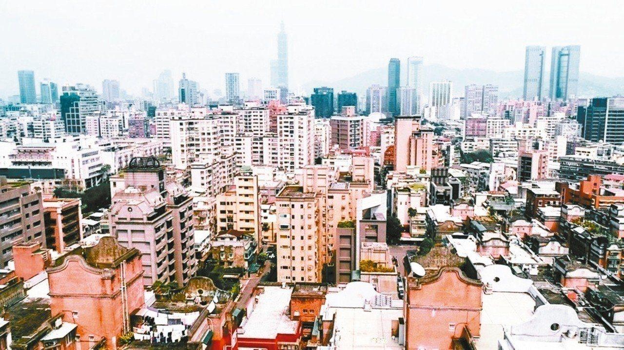 台北市的公共設施保留地超過800公頃,市府今年6月首次動支5億元「容積代金」標購...