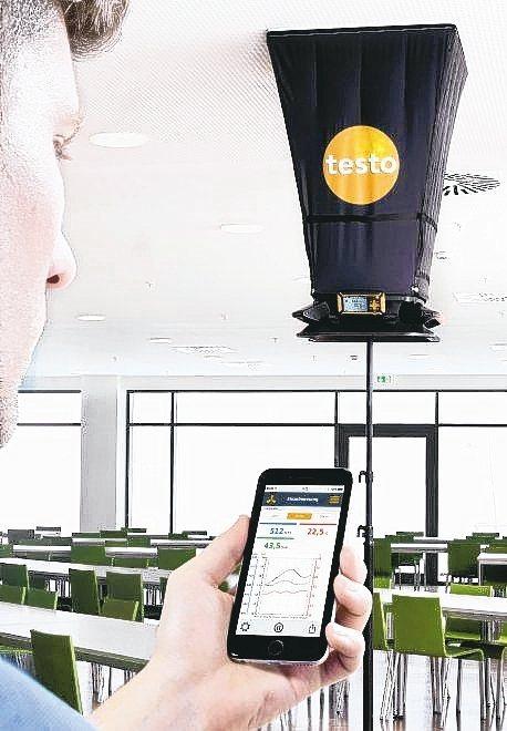 testo-420風罩式風量計,用於出風口風量檢測。 德斯特/提供