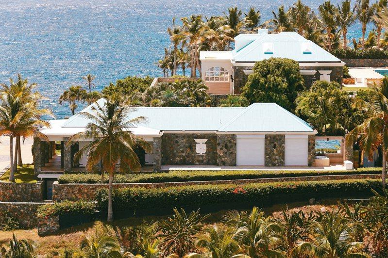 艾普斯坦在美屬維爾京群島擁有私人島嶼小聖詹姆斯島。 路透