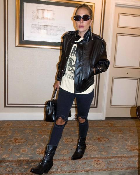 美國德州艾爾帕索、俄亥俄州岱頓和加州吉爾羅伊近來發生重大槍擊案,流行樂天后女神卡卡(Lady Gaga)本週承諾資助一連串計畫,幫助那些受創社區的學生重返校園。路透社報導,在德州艾爾帕索(El Pa...