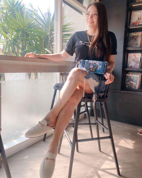 小甜甜(張可昀)近年來積極瘦身效果明顯,她也不時會在社群上分享美照,日前她再度分享美照,露出修長的美腿,讓網友紛紛驚呼「又瘦了」!小甜甜11日在IG上分享自己美照,她還稱「很喜歡今天拍的照片~謝謝我...