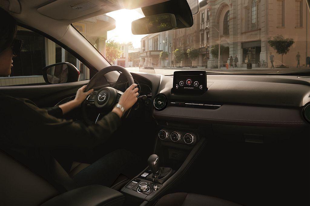 新年式Mazda CX-3全車系標配Mazda Connect人機智慧資訊整合系...