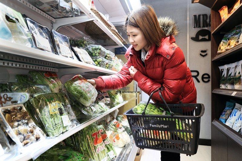 產品能到消費者手上,就表示背後有一個產業鏈。 圖/全家便利商店提供