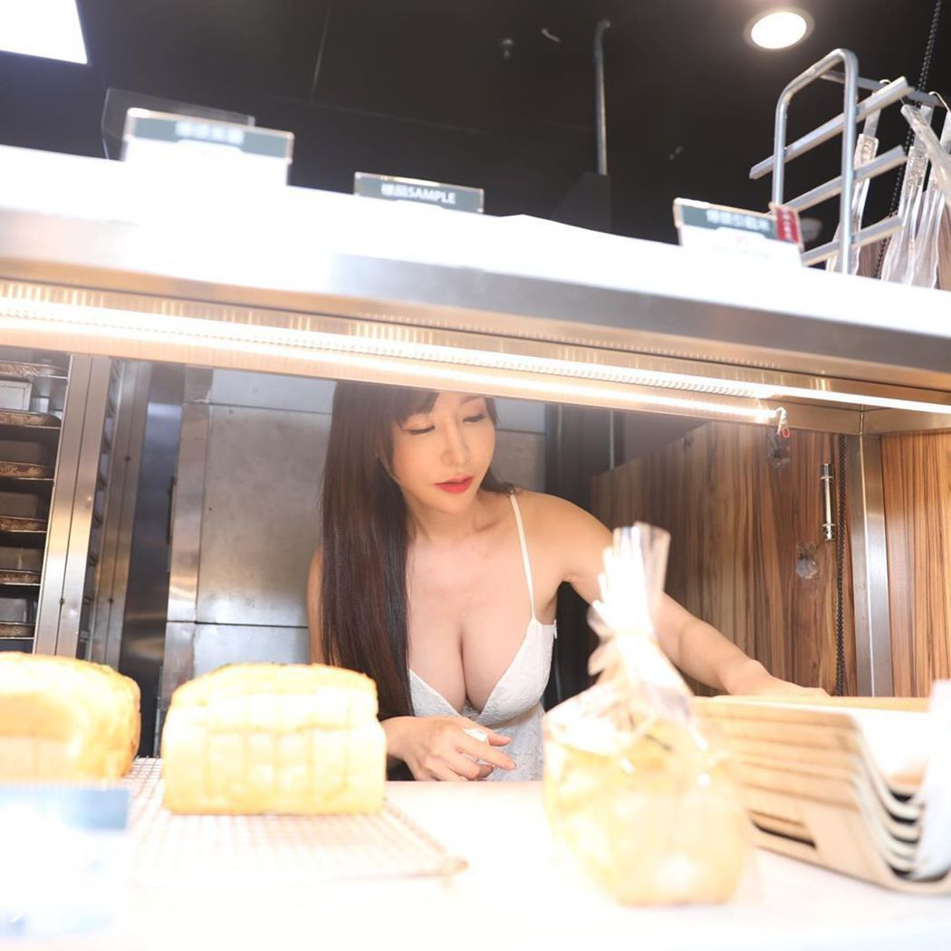 小優擔任一日店長。圖/擷自instagram