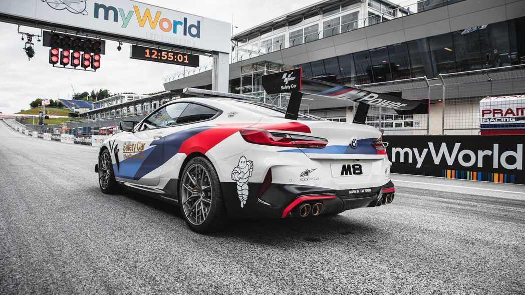M8 MotoGP™ Safety Car於奧地利站登場。 摘自BMW