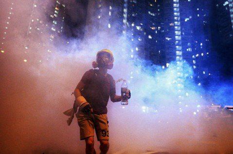 不惜一切代價抗爭的意志,從「光復香港」說起