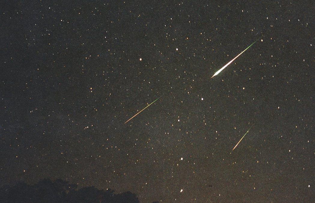 往年的英仙座流星雨。圖/天文館提供