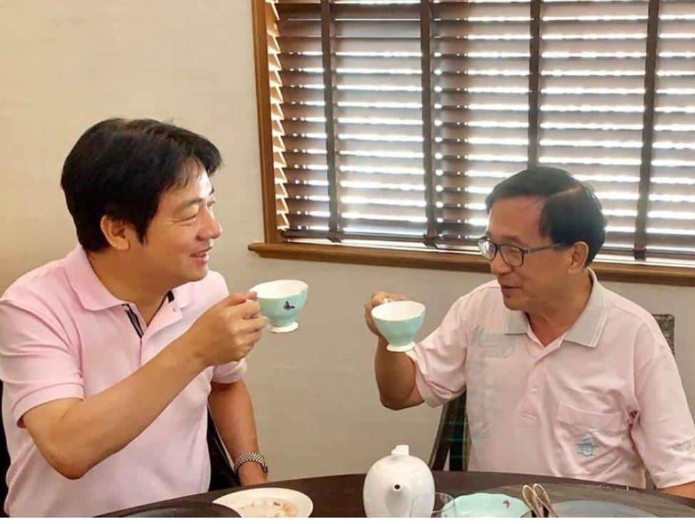 行政院前院長賴清德(左)最近與前總統陳水扁會面 。圖/取自新勇哥物語臉書