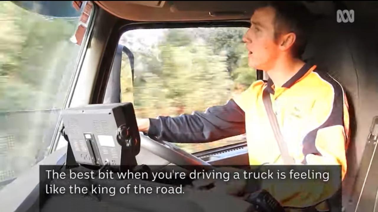 腦麻痹並沒有阻斷22歲的麥克斯.奎吉里歐開卡車的夢想。圖取自YouTube(@A...