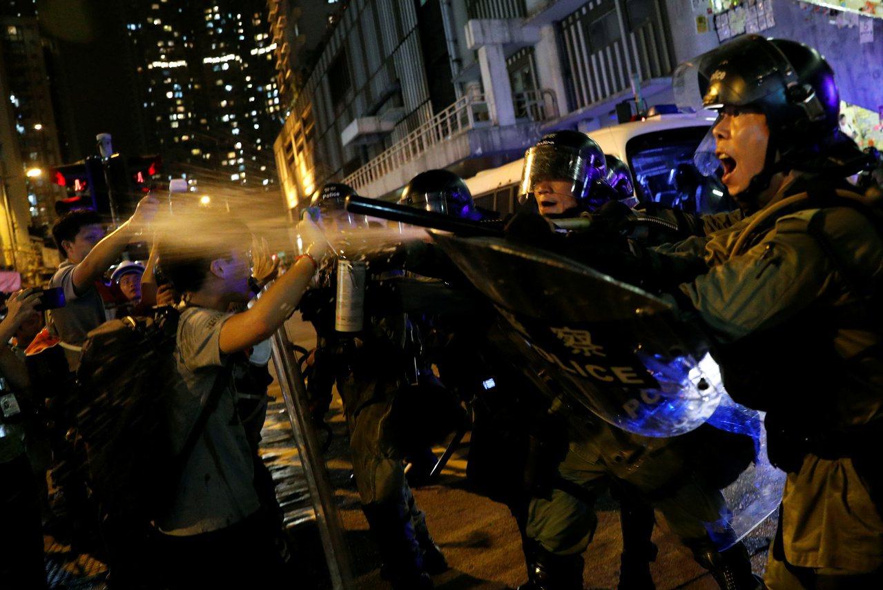 中大民調示威原因 「不滿警方」超越「撤回修例」 路透社