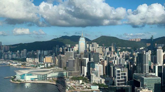 如今大陸已不再把香港看作是進入全球金融界的重要門戶,香港從大陸的哥們變成敵人,這...