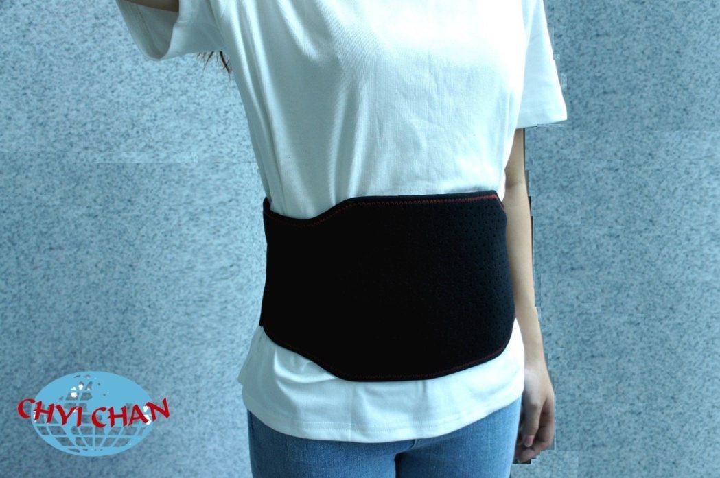『穿戴式行動軟暖墊』,方便輕巧,一體式設計能輕鬆穿戴 業者/提供