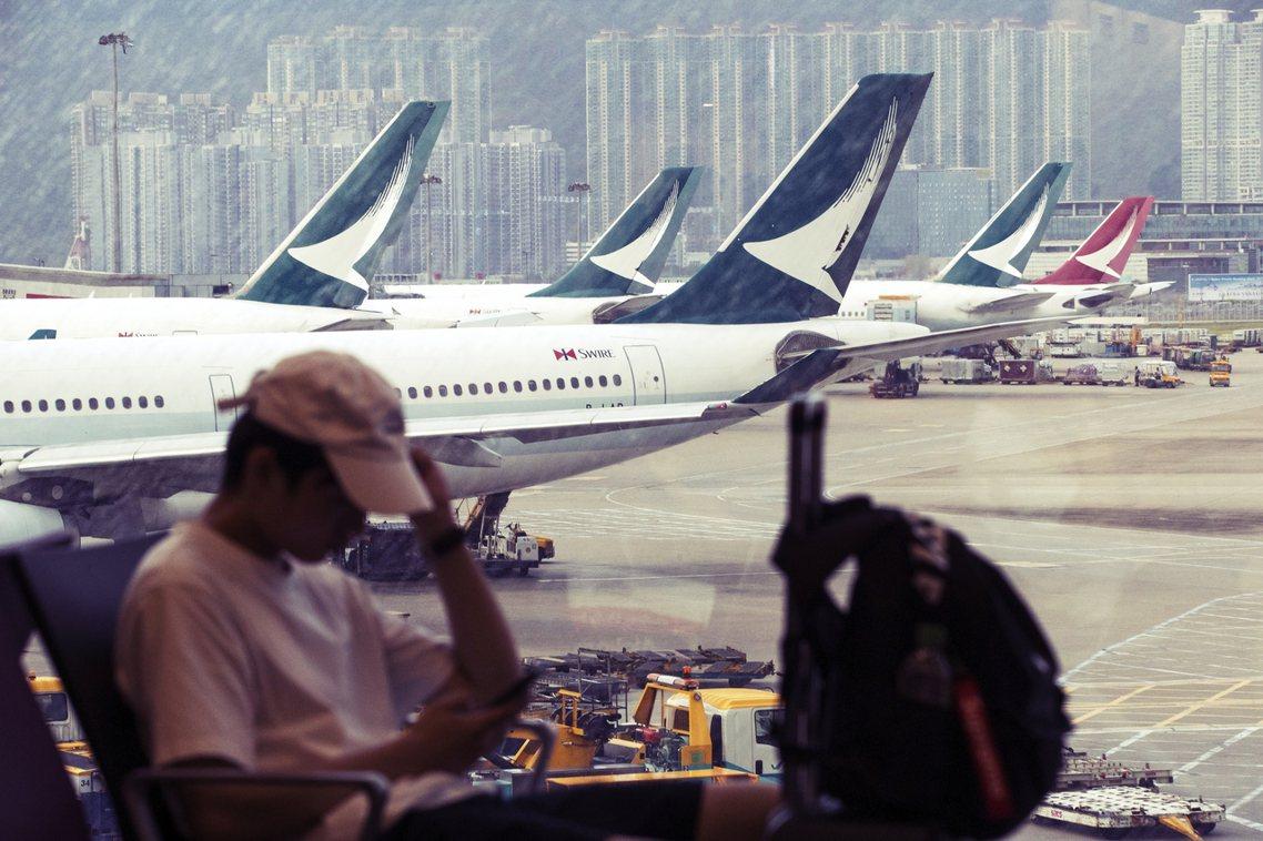 因員工參與反送中,遭到中國民航局與中資大股東施壓的香港「國泰航空」,儘管10日宣...