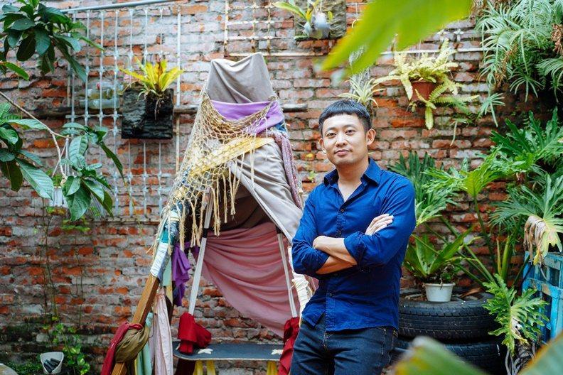 6年級生的年輕建築師王重喬,把百年歷史的恆春信用組合改造為創意斜槓空間。 圖/賴...