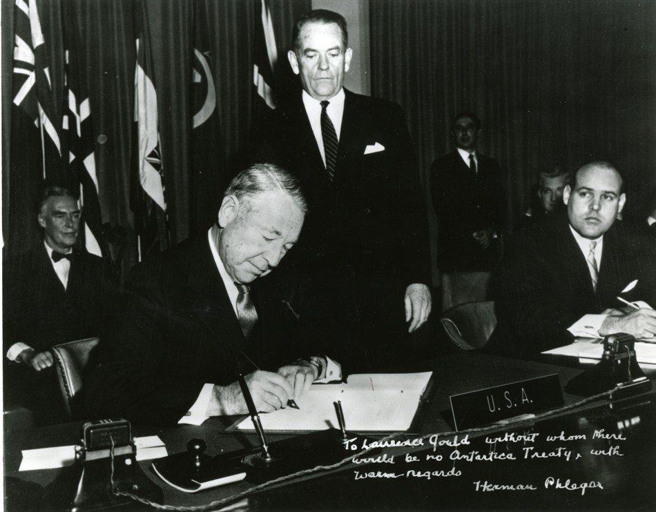 1959年12月1日,12國簽署《南極條約》(AT),至今已60年。 圖/維基共...