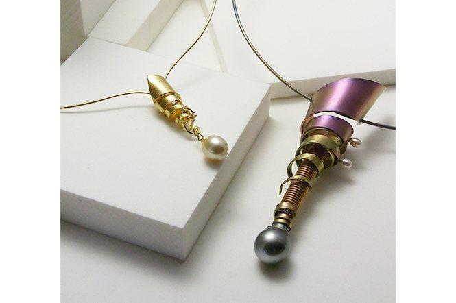 在Pearl City神戶定居的小宮老師,對珍珠素材的設計也很喜歡。