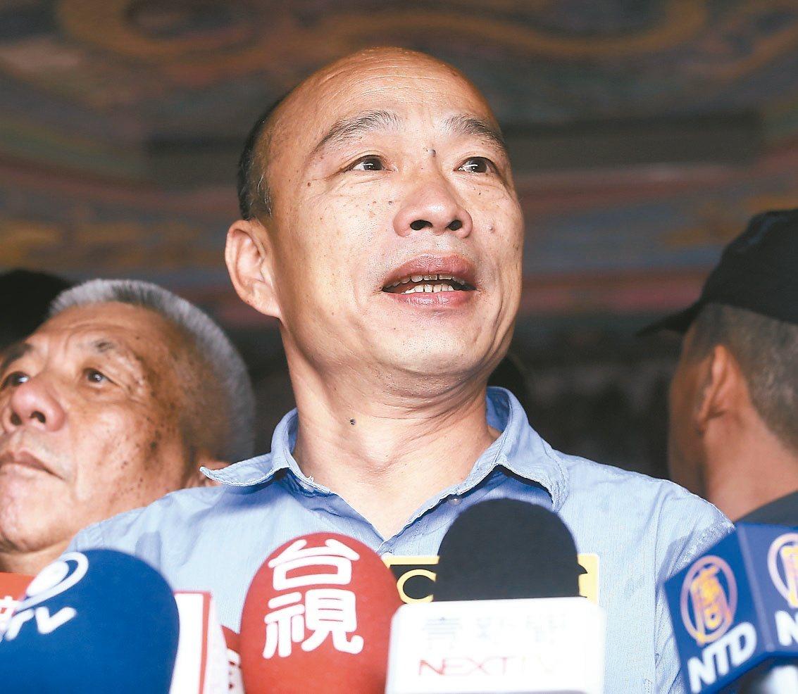中華大學講座教授杜紫宸上午在臉書貼文,國民黨如今內憂外患,韓粉排他攻擊性強,國民...