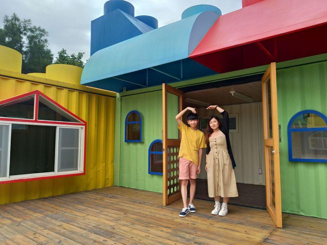 大安濱海樂園的露營區,色彩多,情侶取景最佳點。圖/台中市觀旅局提供