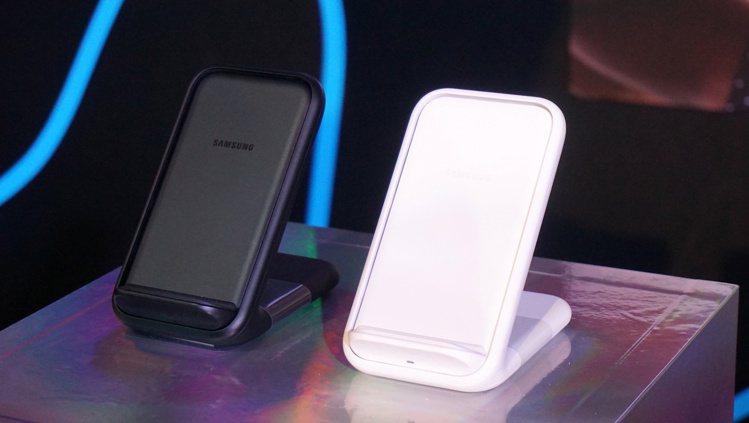 全通路預購Galaxy Note10系列,上網登錄即送無線閃充充電座(不挑色)。...