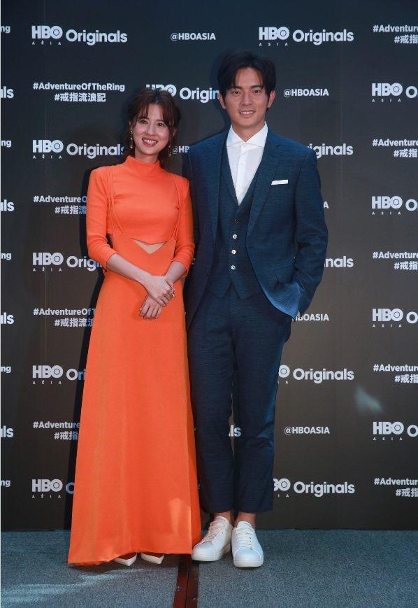 宥勝與林予晞在 「戒指流浪記」扮演論及婚嫁的情侶。記者黃義書/攝影
