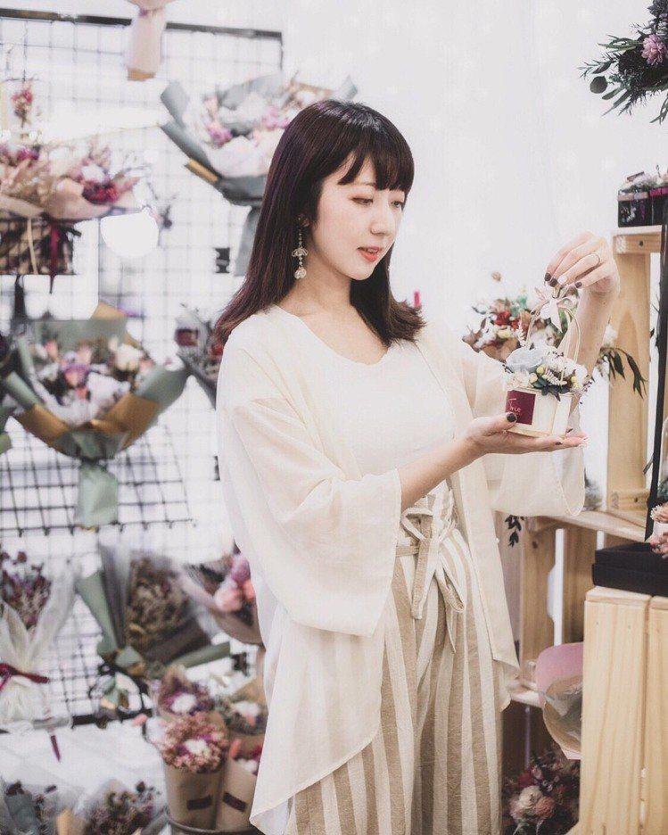 板橋大遠百秋季化妝品節,即日起至8月18日邀請TRIO Florist花欉奏永生...