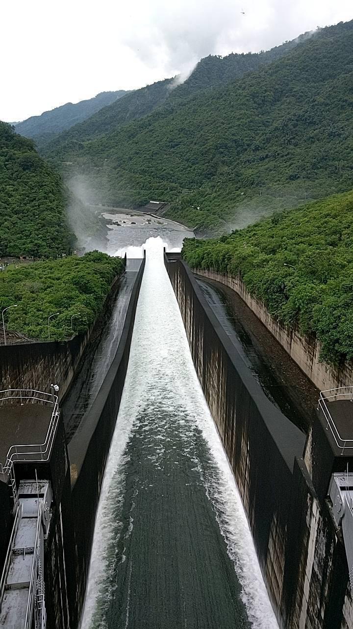 曾文水庫連3天溢洪。圖/南區水資源局提供