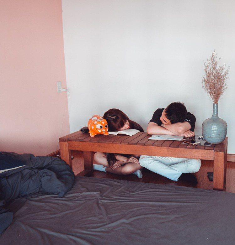 睡午覺,對於正在求學、學習的人來說,更能幫助增加記憶力。圖/摘自 pexels