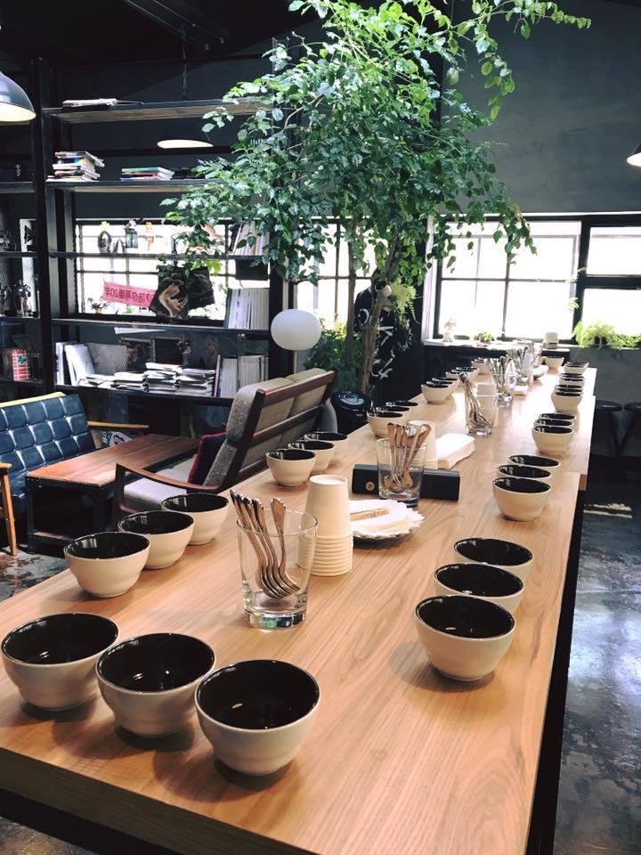 張惠妹投資的店「A8 Cafe」租約到期,將營業至18日。圖/摘自臉書