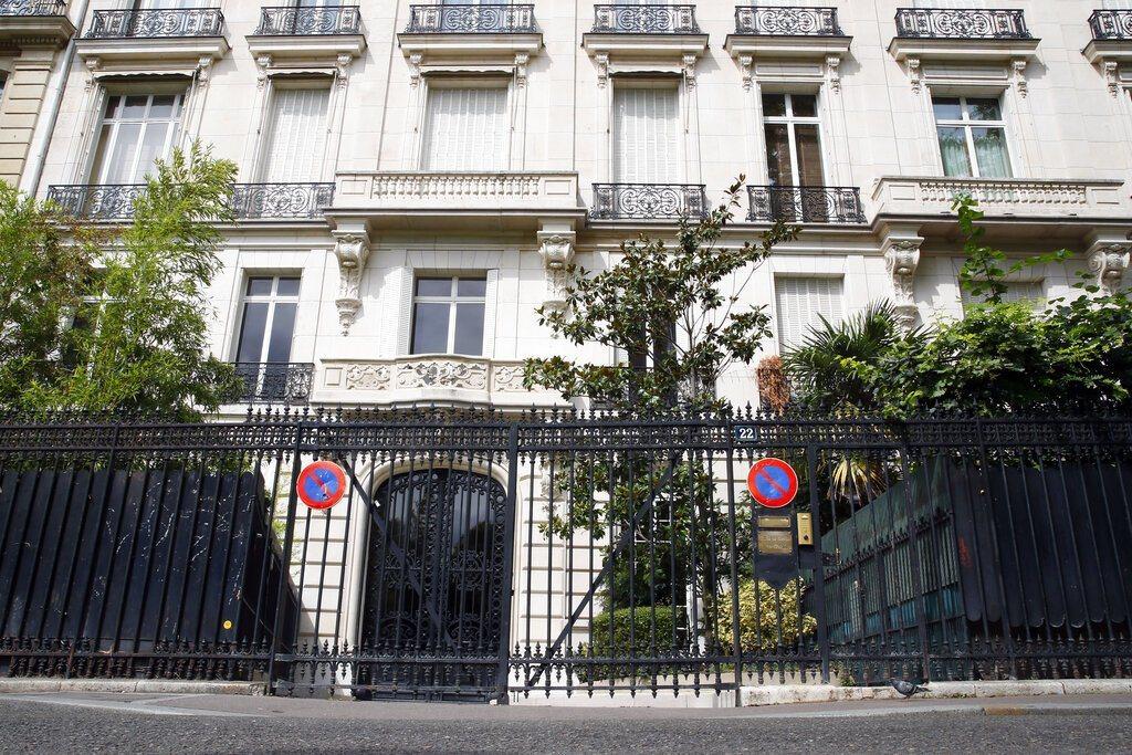 少女淫魔艾普斯坦位於巴黎16區的寓所。 美聯社