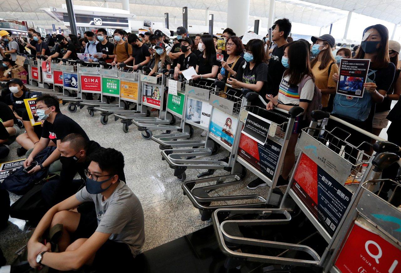 香港機場曾是城市標誌 現成動亂中心 路透社