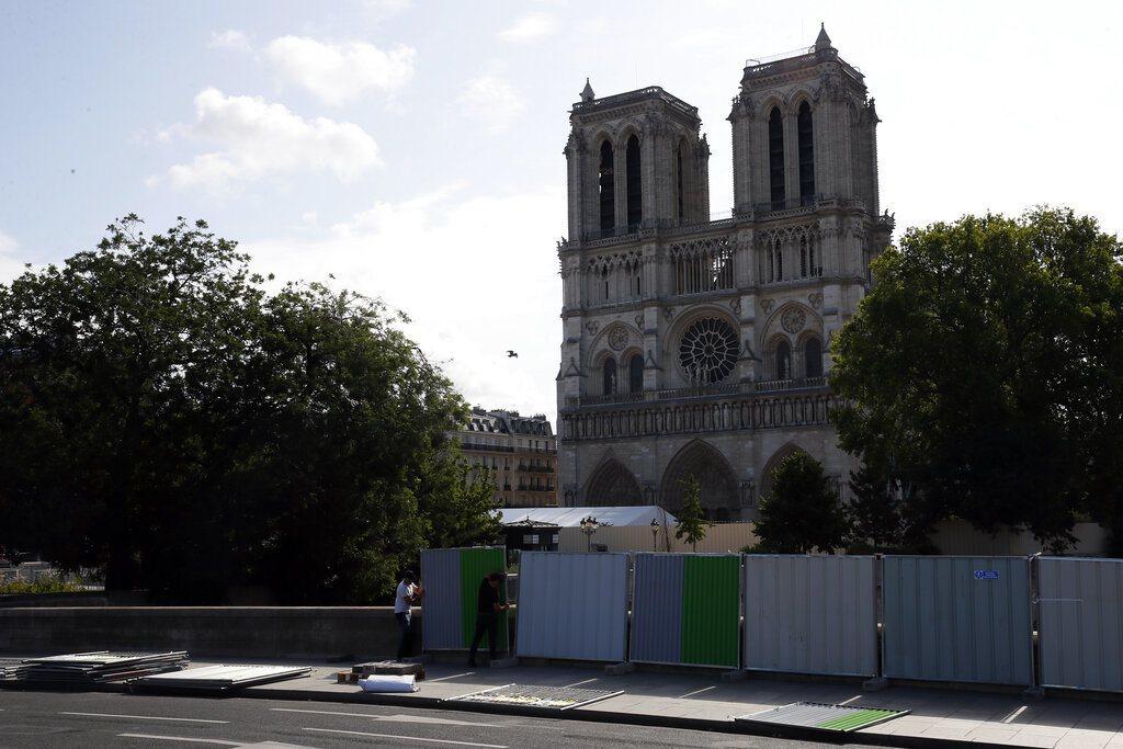 巴黎聖母院於今年4月失火,正待重建,居民及非政府組織擔心鉛污染,指控政府忽視問題...