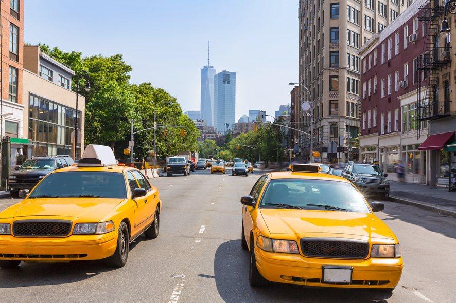 全台計程車8萬7000多輛,但有1萬7570輛車超過12年,不少民眾反映小黃老舊...