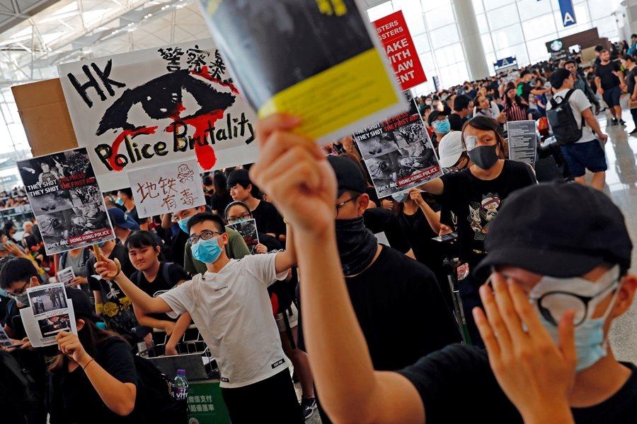 反送中開始後,民間也主張「無大台」論述。攝於8月12日,香港。 圖/路透社
