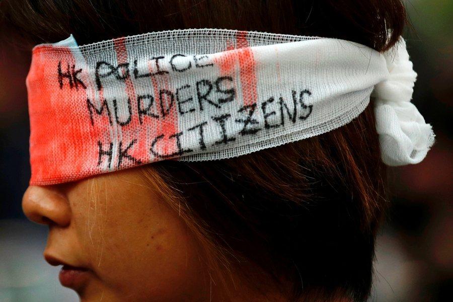 民間對警察濫權的憤怒,已遠超過反送中訴求。攝於8月12日,香港。 圖/路透社