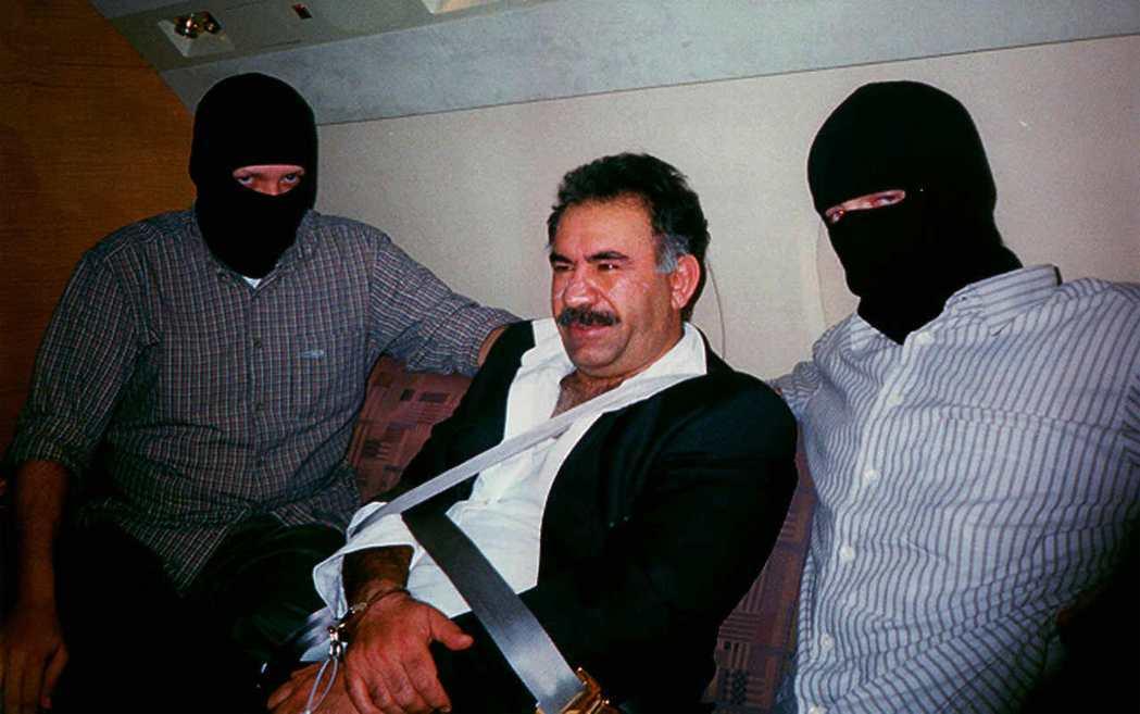 1990年代後期,土耳其國內政治自顧不暇。執政政府短時間內幾番輪替,與庫德工人黨...