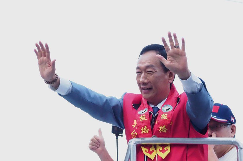 近年來各種非典型政治力量與菁英迅速崛起,郭台銘即是一例。攝影/林瑞慶