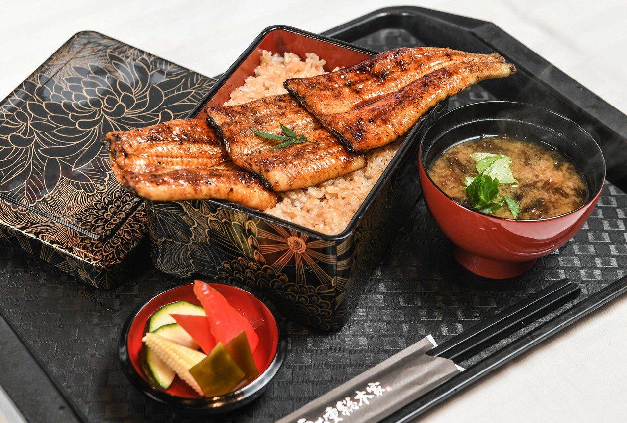 特製炭燒鰻重御膳(特大),每份780元圖/鰻重總本家提供