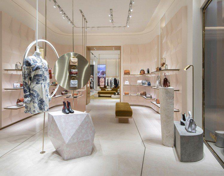 Chloé微風南山旗艦店開幕,店內包括最新的秋冬服裝、配件系列。圖/Chloe...