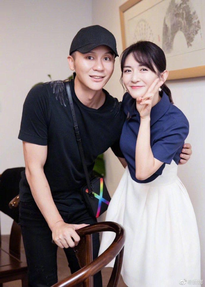 李晨(左)和謝娜合作引來網友議論紛紛  圖/摘自微博