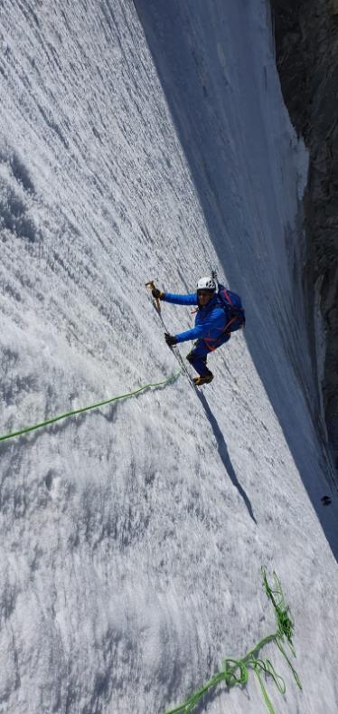 法國議員被抨擊登山照作假。圖取自推特(@ericwoerth)