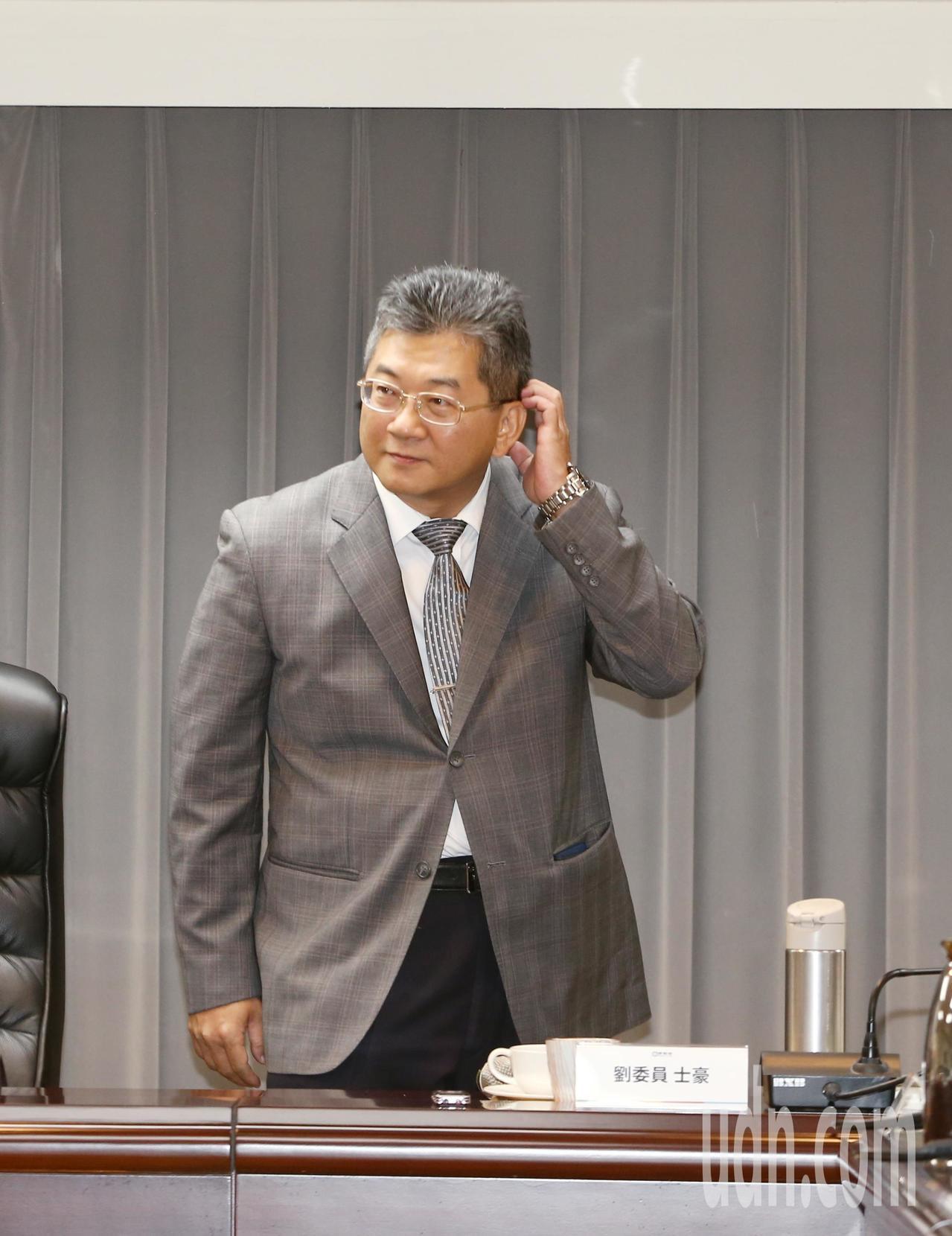 勞動部主持基本工資審議委員會,政務次長劉士豪出席。記者曾原信/攝影