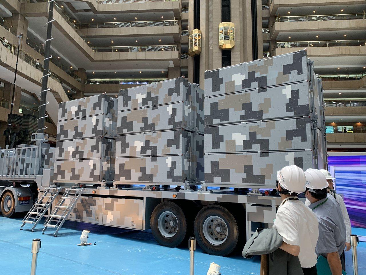 中科院自力研發的「劍翔」反輻射無人機全系統首度亮相。記者洪哲政/攝影