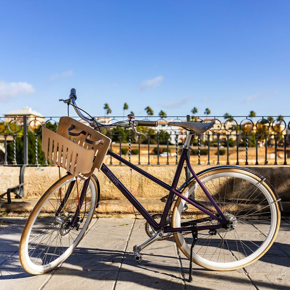 膠囊咖啡機品牌Nespresso與腳踏車商合作,用回收膠囊製造腳踏車。圖取自Vé...