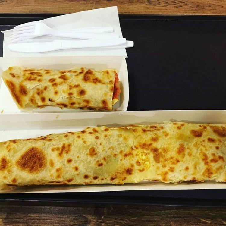 「長勝君捲蛋餅」有大小兩種尺寸。IG @lau.ioksin 提供