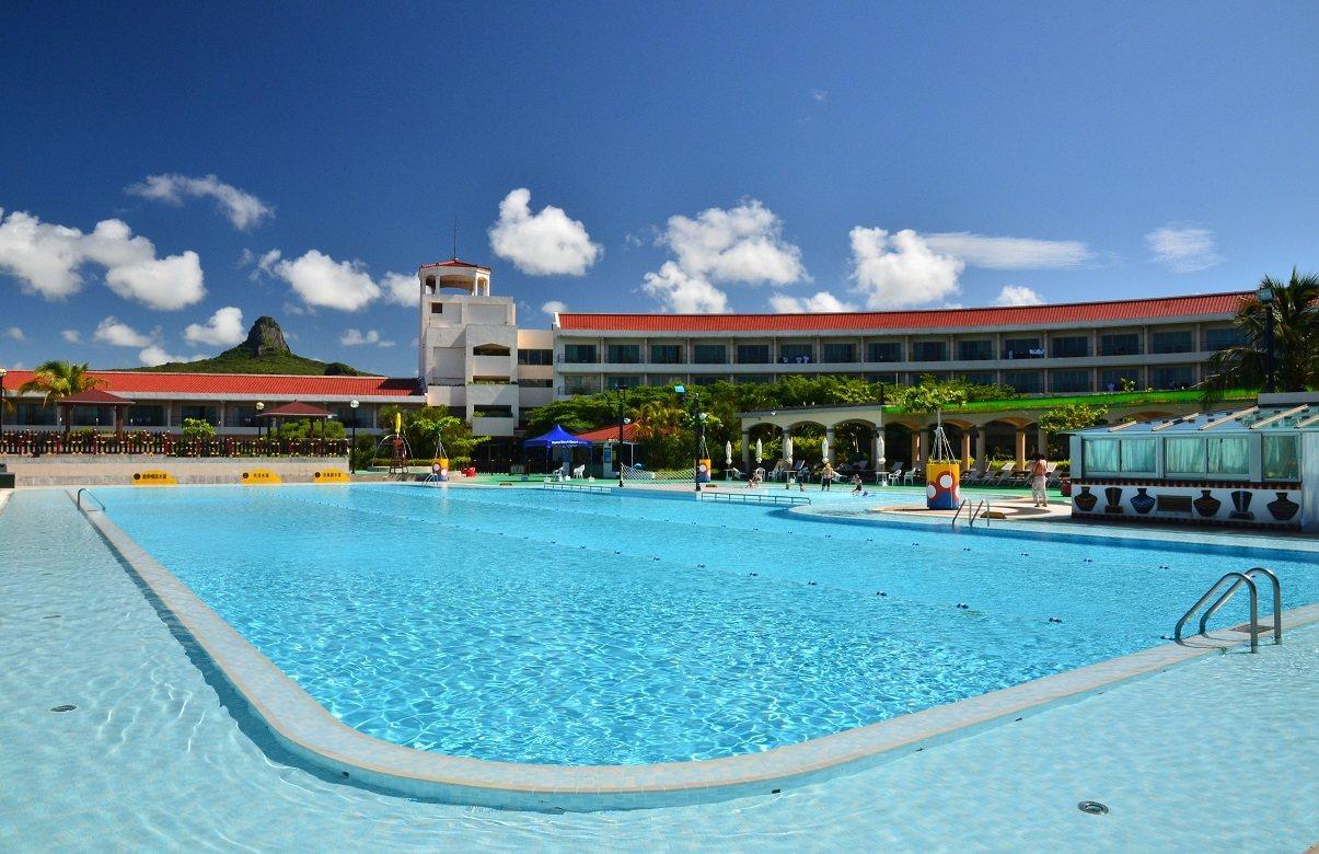 墾丁福華渡假飯店位於美麗的墾丁國家公園內,不僅設有舒適的客房,還提供多樣休閒設施...
