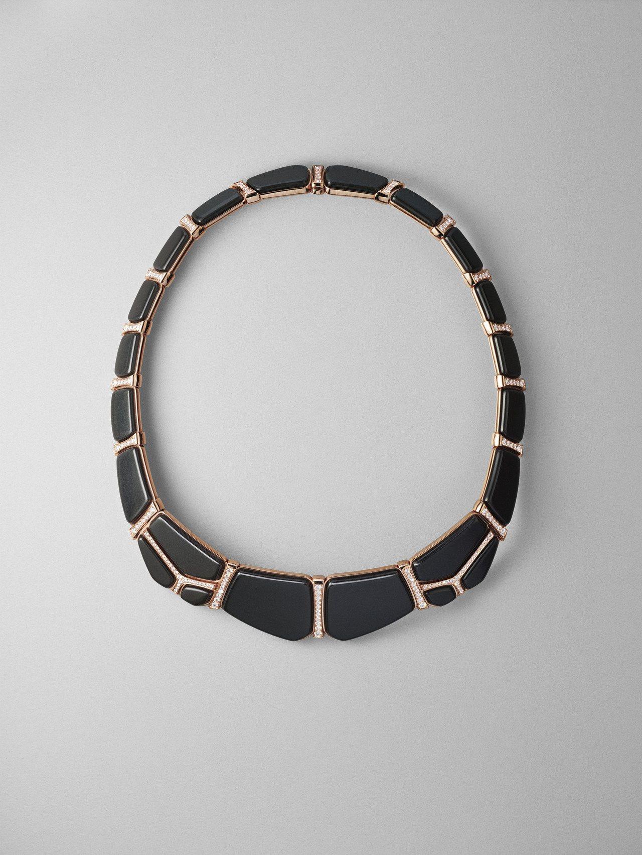 Niloticus Lumière系列玫瑰金鑲白鑽與墨玉項鍊,324萬3,700...