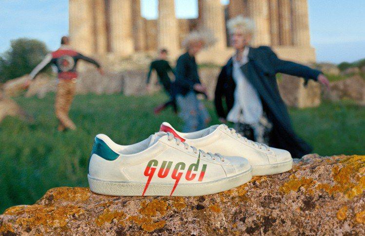 人氣Ace鞋款也延續網球鞋經典輪廓打造新樣式。圖/Gucci提供