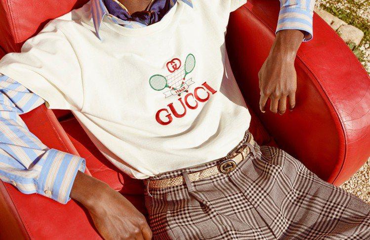 Gucci從1987年為鄉村俱樂部所設計的館藏擷取靈感,打造網球主題Tennis...